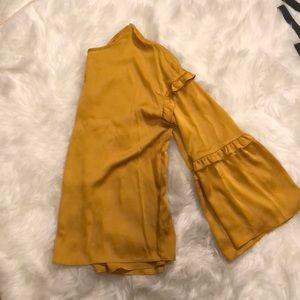 Mustard bell 🛎 sleeve blouse